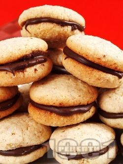 Слепени домашни сладки с шоколад - снимка на рецептата